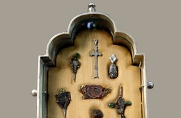 The reliquary – Detail