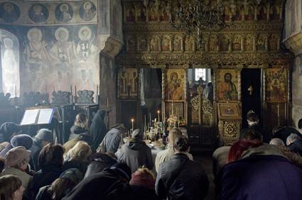 imagine-din-timpul-sfintei-liturghii